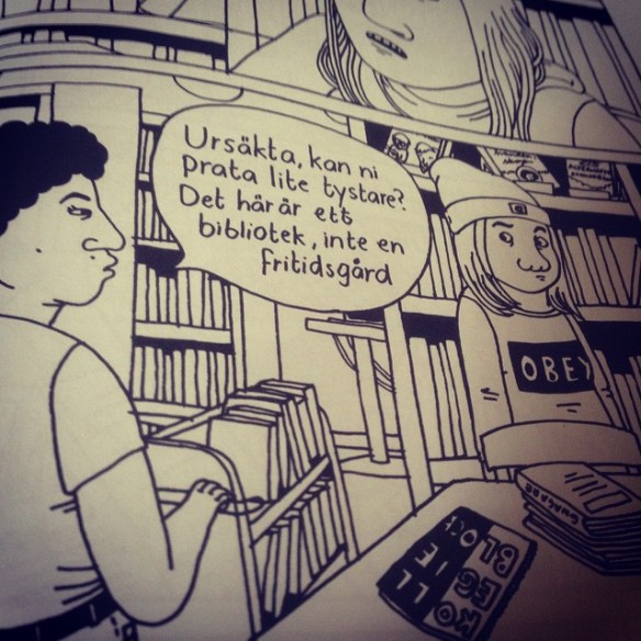 Instagram media by litteraturmagazinet - Att känna igen sig genom en fjortonårig blick är inte alltid bekvämt! Inser plötsligt precis vilket störningsmoment jag som #bibliotekarie är... Tack Hanna Gustavsson <3 #galago #serier #bibliotek / #seb_lm